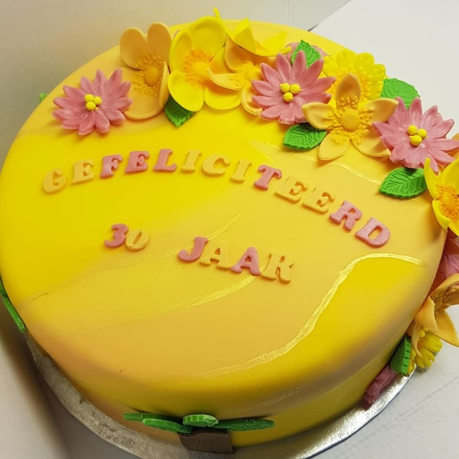 Tropical cake