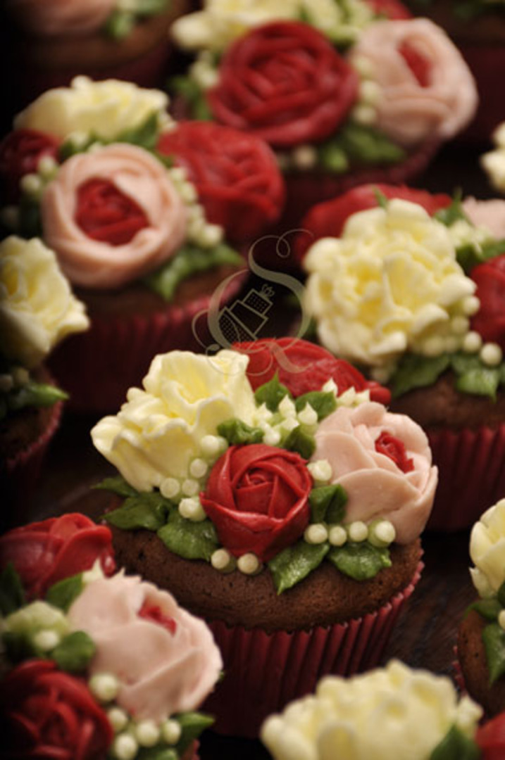 Lux Cupcakes